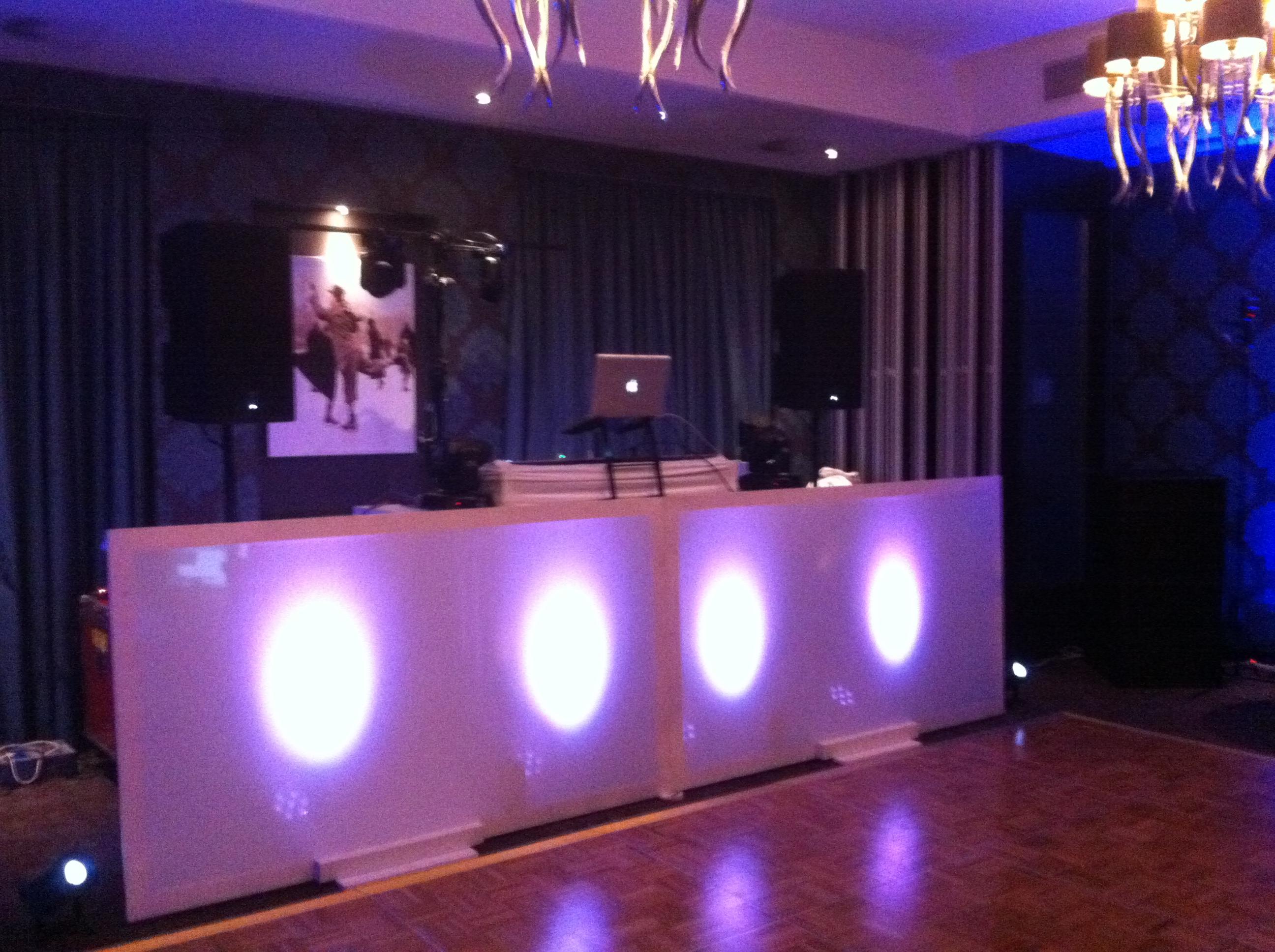 DJ Booth Strak Dubbel